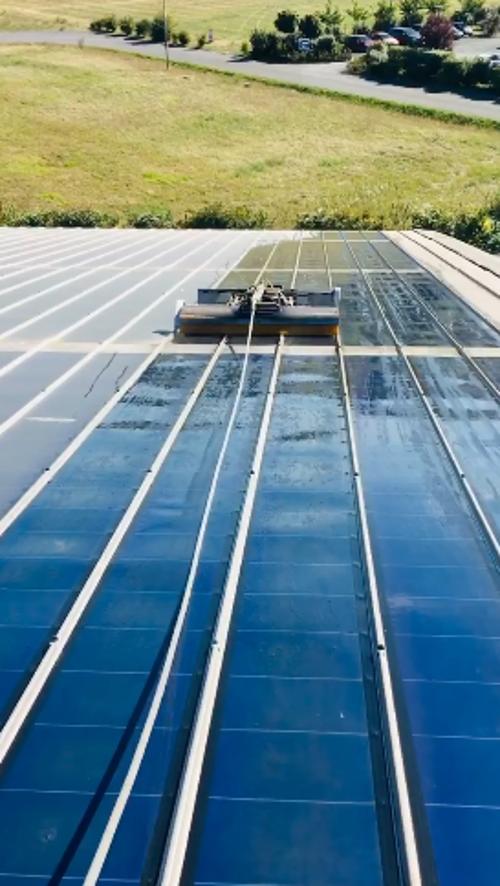 Nettoyages panneaux photovoltaïques amorphes- en vidéo 0