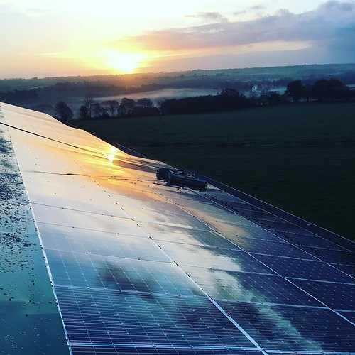 Nettoyage de 450m2 de panneaux photovoltaïques - Secteur Saint-Gonnery 0