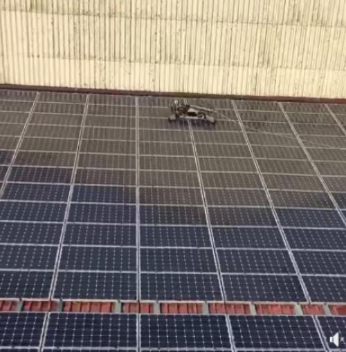 Nettoyage de 1 000 m² de panneaux photovoiltaïques -Loire-Atlantique 0