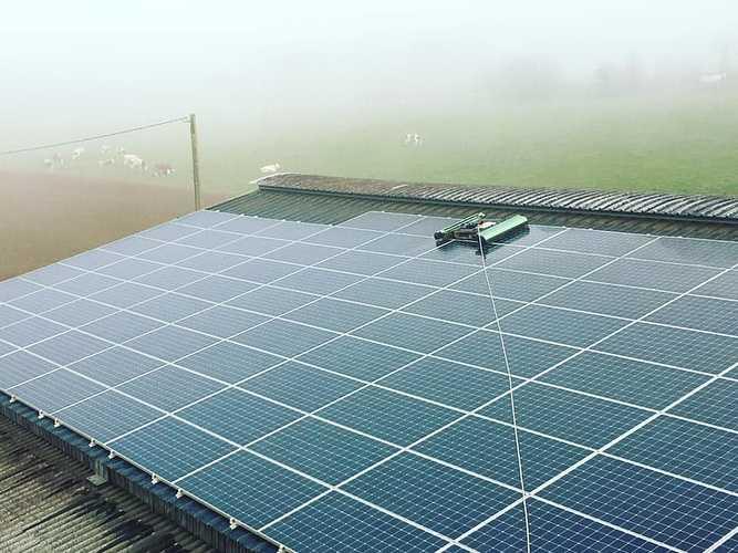 Nettoyage 600 m2 de panneaux photovoltaïques 0