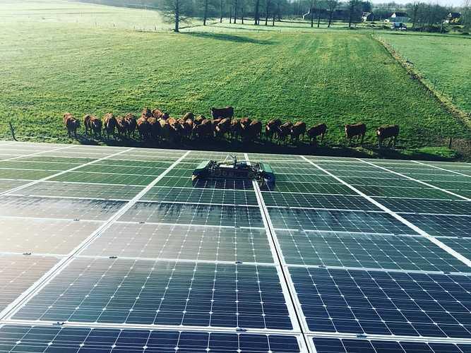 Nettoyage panneaux photovoltaïques - Eréac 0